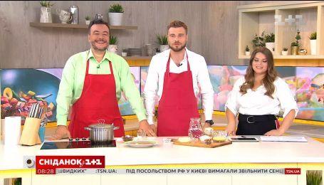 Леонид Веселков готовит масфуф и комментирует Чемпионат мира по футболу в России