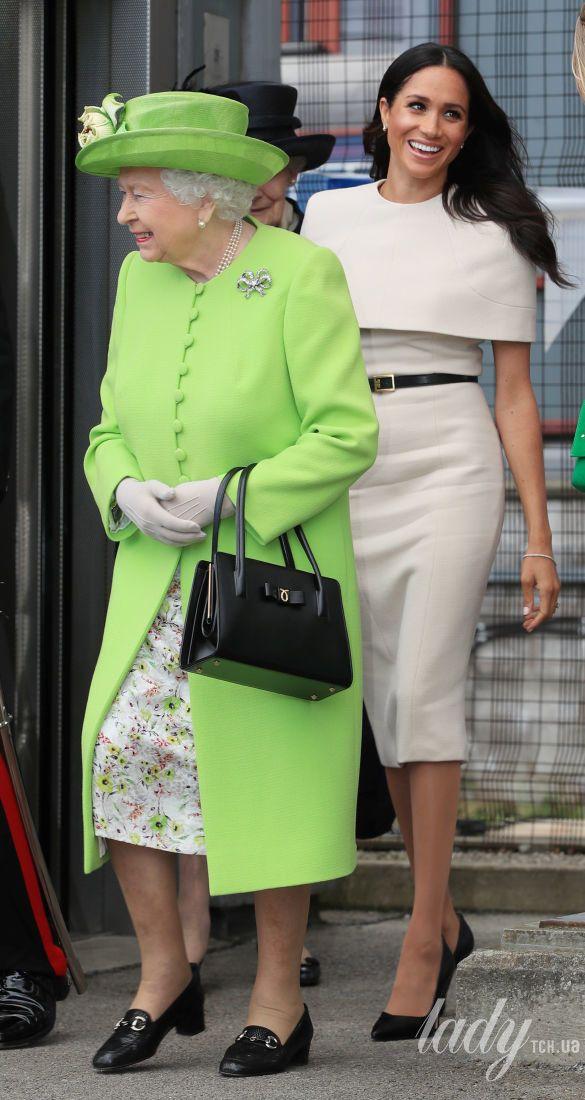 Королева Елизавета II и герцогиня Сассекская_2