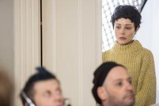 Не узнать: Тина Кароль в неожиданном образе сыграла главную роль в фильме
