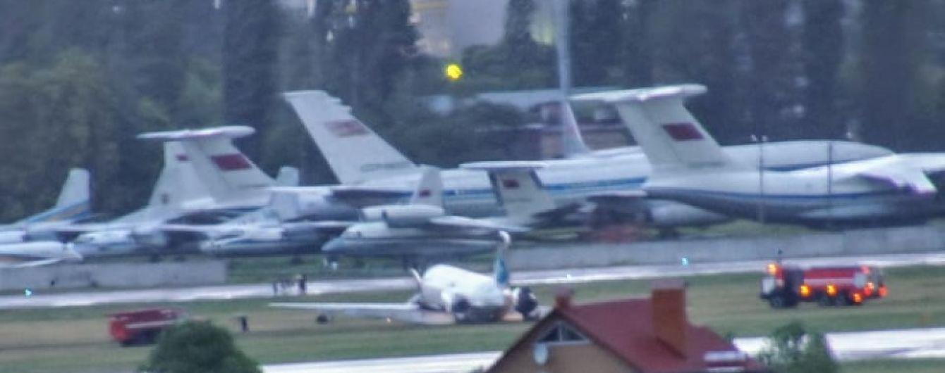 """""""Літак завалився на праве крило, почало димітися"""", - пасажирка про інцидент в аеропорту """"Київ"""""""