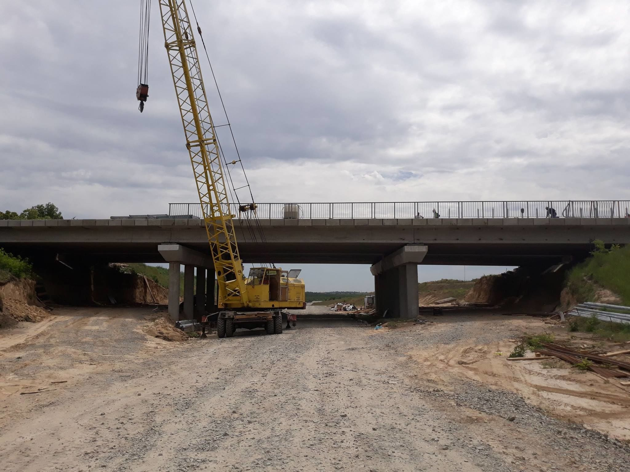 будівництво моста