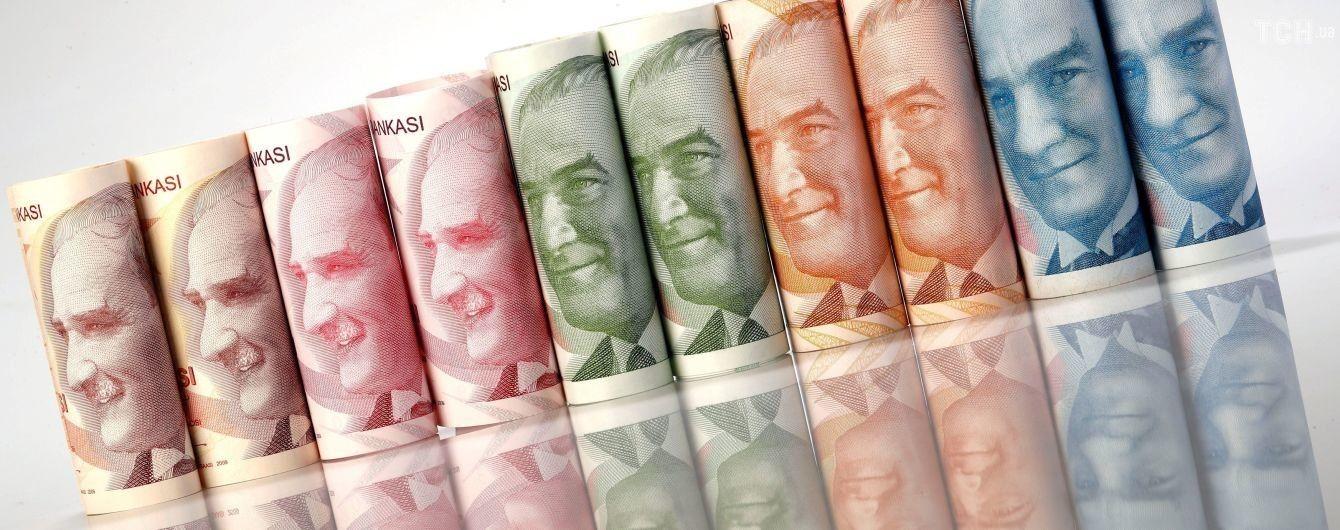 Турецкая лира стремительно обесценивается: за этот год она потеряла треть стоимости