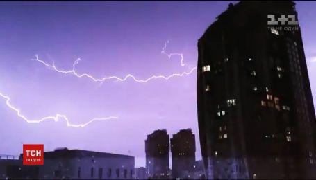 Град, блискавка та буревій: Україна цього тижня потерпала від негоди