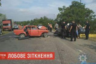Смертельное столкновение в Одесской области: гибель виновника и травмирование 5 человек