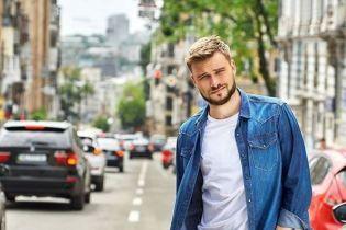 Єгор Гордєєв знявся у фотосесії street style та розповів про особисте