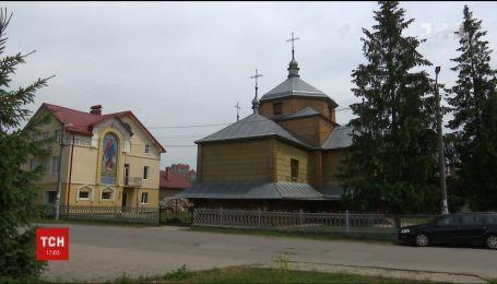 На Прикарпатье целое село восстало против настоятеля местной церкви
