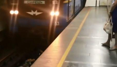 """""""Коли потяг наближався, було дуже страшно"""": зачепер розповів про суботню витівку на рейках київського метро"""