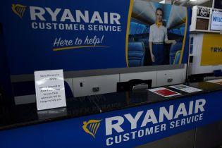 Ryanair отменит почти 300 ежедневных рейсов из-за забастовки бортпроводников
