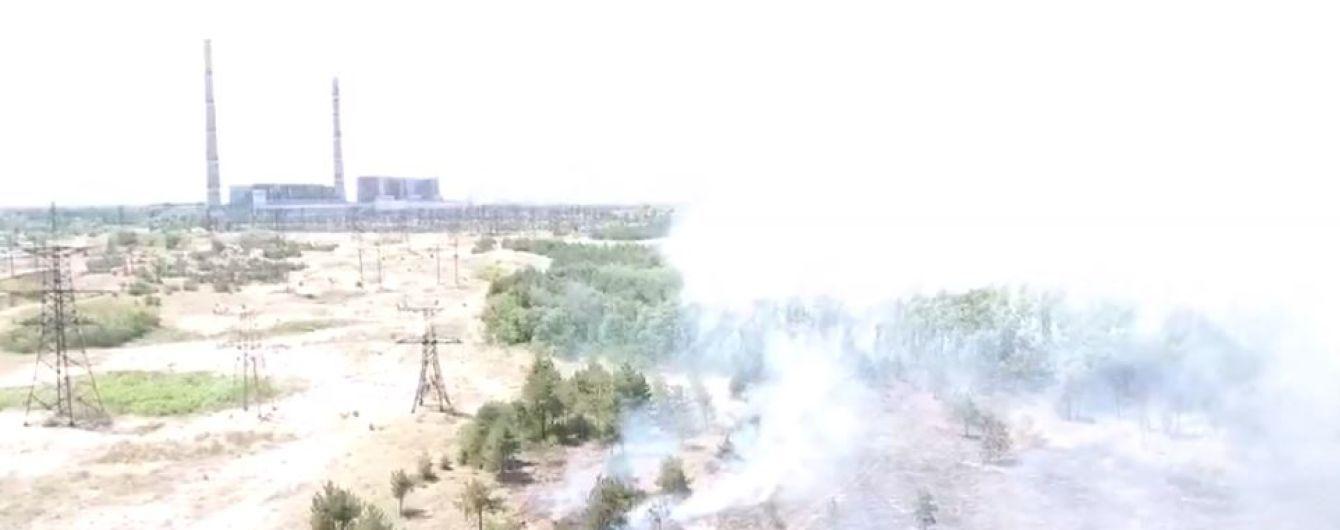 На Запорожье возле ТЭС масштабно горит лес