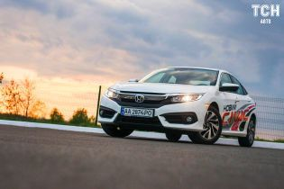 Honda Civic 4d: игра в сегменты