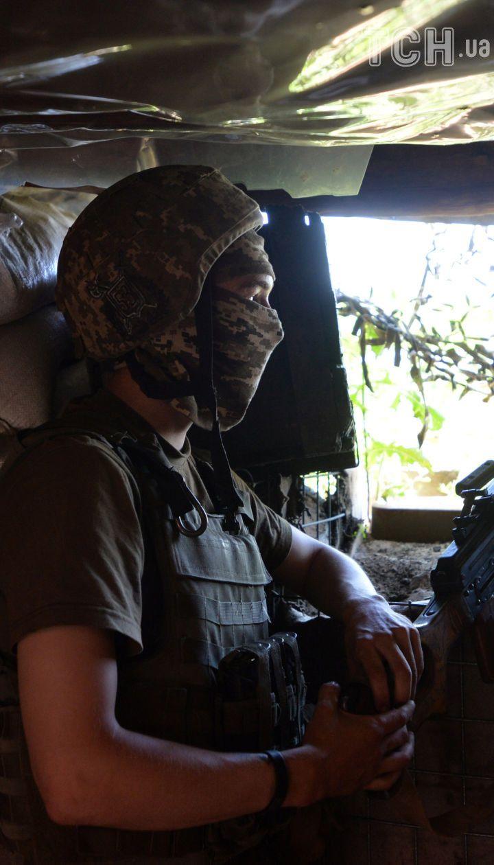 Бойовики двічі обстріляли українських військових на Донбасі