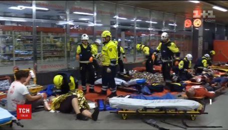 Стрілянина та скривавлені люди - у празькому метро провели навчання екстрені служби