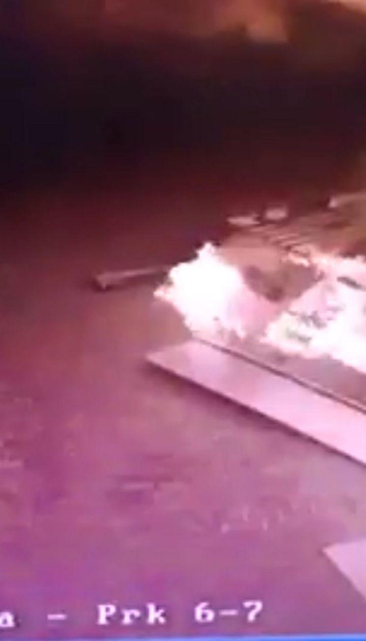 Под Киевом водитель вырвал на АЗС бензоколонку, после чего вспыхнул пожар