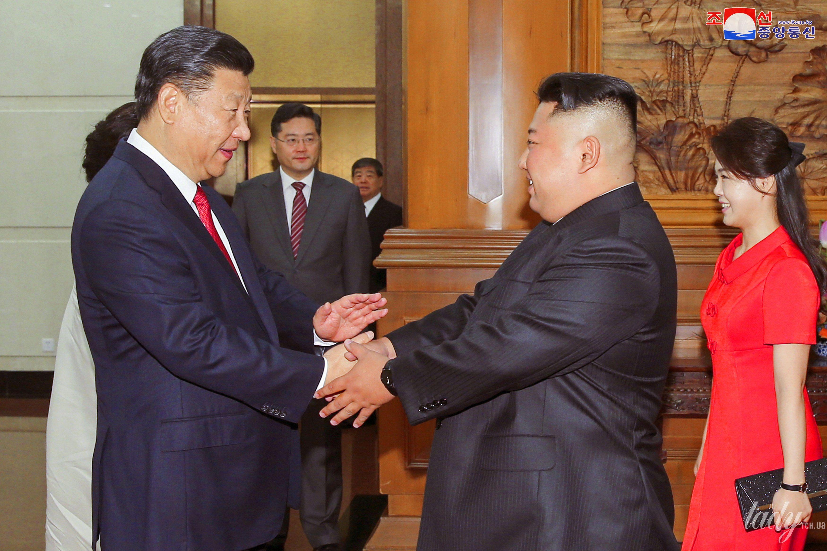 Жена лидера КНДР Ли Соль Чжу_1