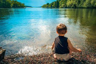 Пляж як путівка до лікаря. Як себе захистити, купаючись у водоймах українських міст