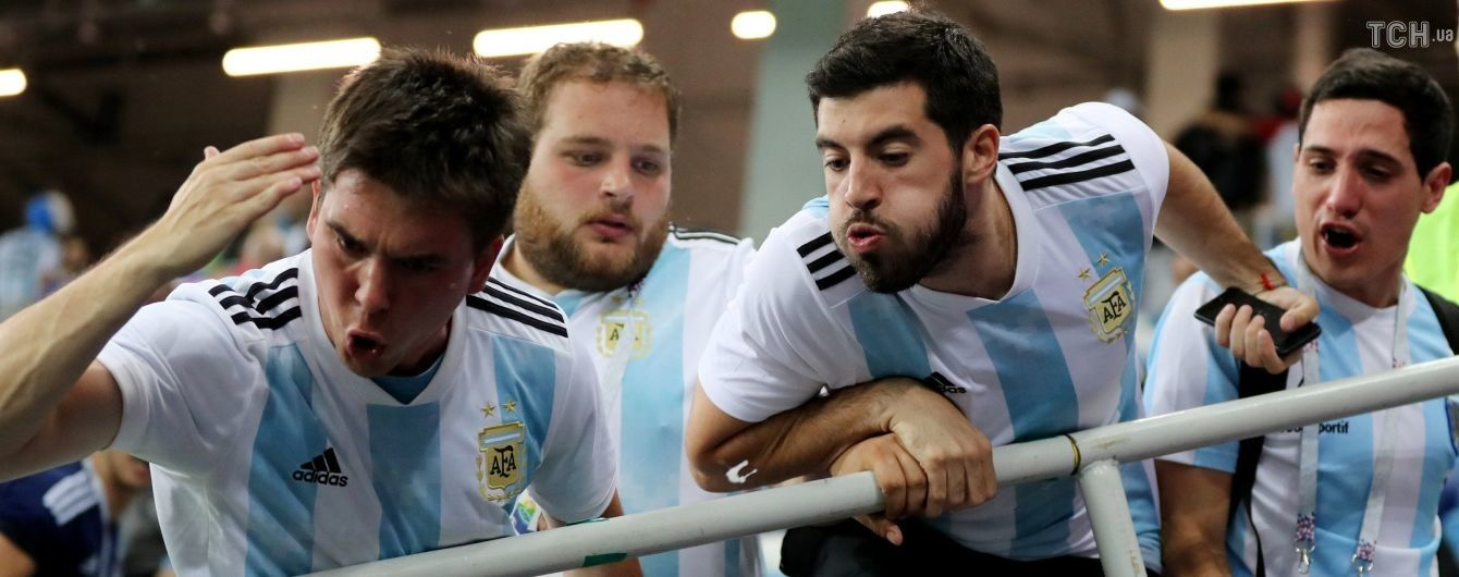 Фанати збірної Аргентини накинулися та жорстоко побили вболівальника збірної Хорватії на ЧС-2018