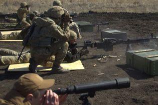 Вследствие обстрелов боевиков были ранены трое военных