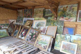 На Донбасі водій намагався перевезти з ОРДЛО картини вартістю 3,5 млн гривень