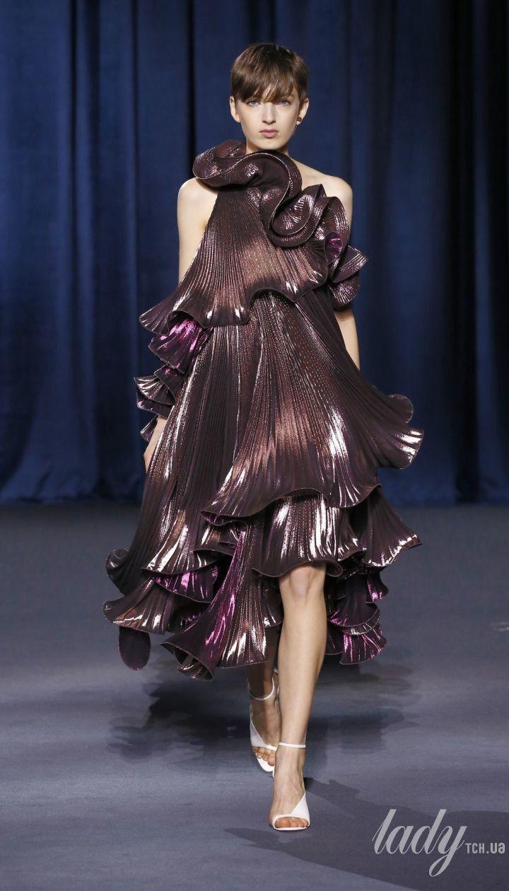Коллекция Givenchy прет-а-порте сезона осень-зима 2018-2019 @ East News