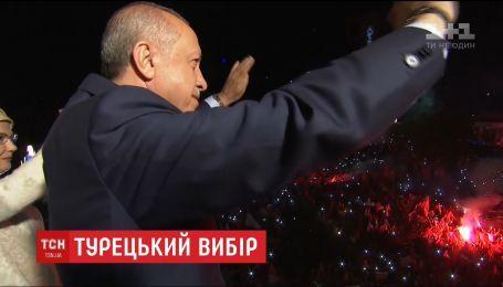 Турция превращается в президентскую республику во главе с Реджепом Эрдоганом
