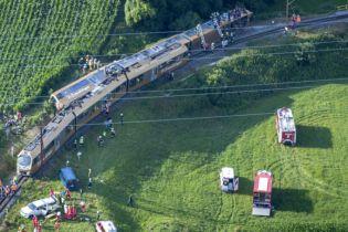 В Австрії з рейок зійшов пасажирський потяг