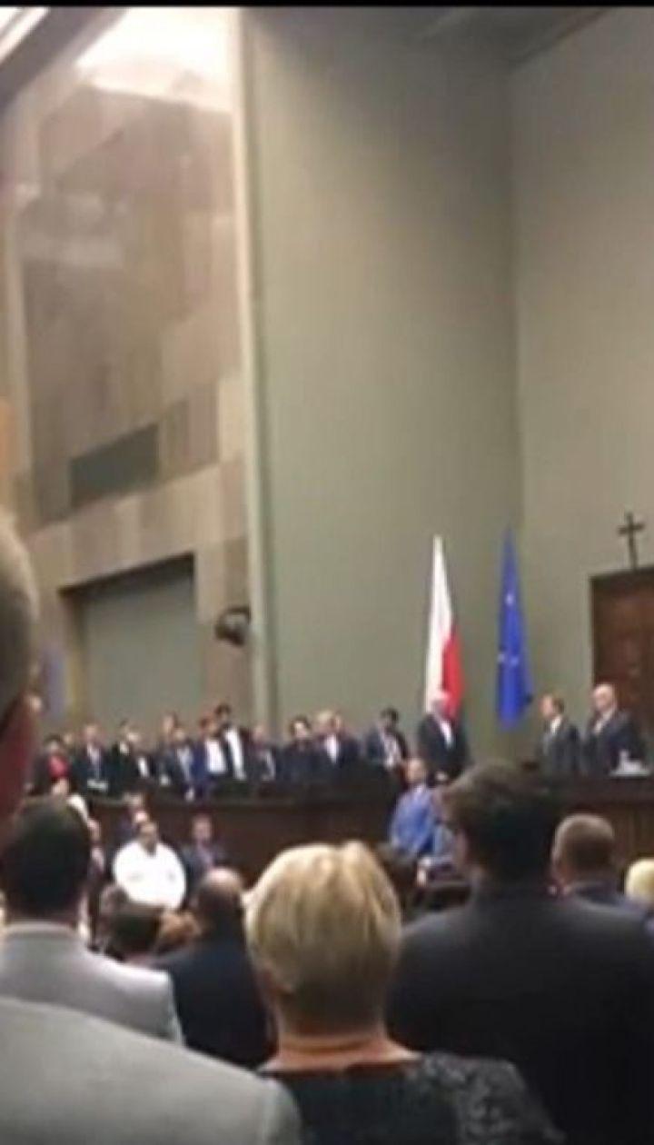 Московський суд вирішує, чи надавати дозвіл українському омбудсмену на зустріч із Сущенком