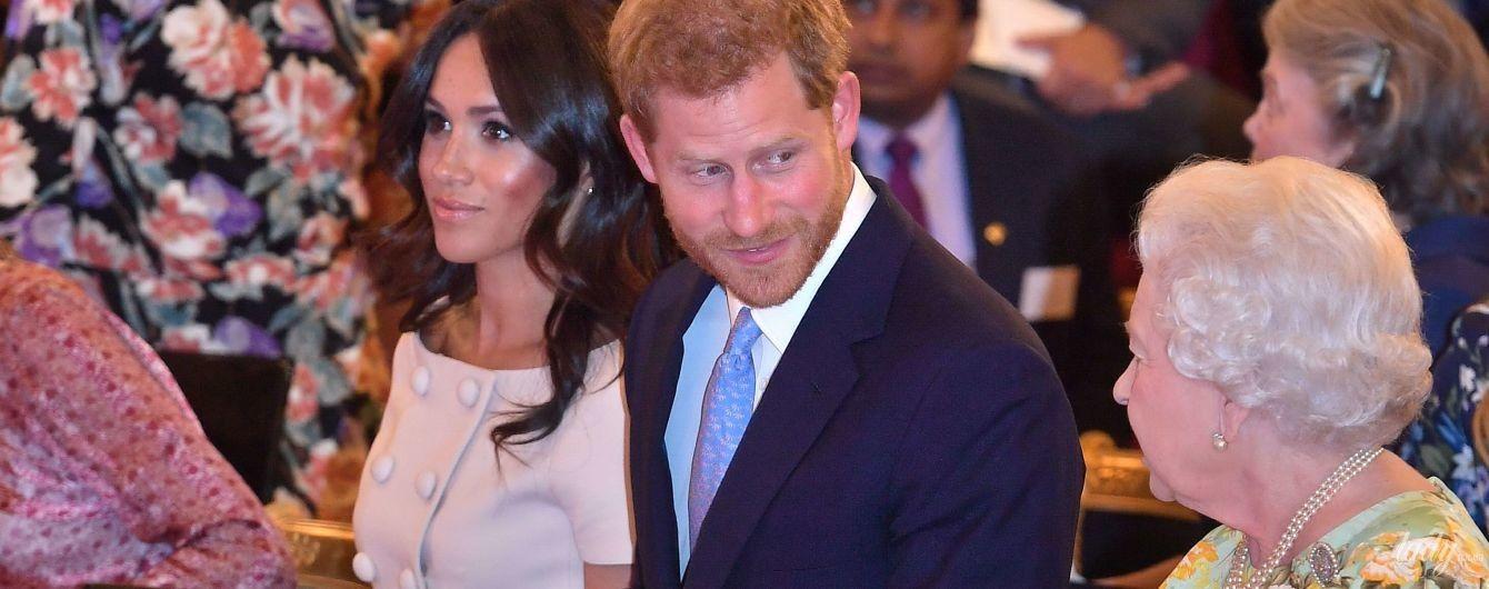 В платье Prada и в компании королевы: герцогиня Сассекская Меган и принц Гарри на приеме в Букингемском дворце