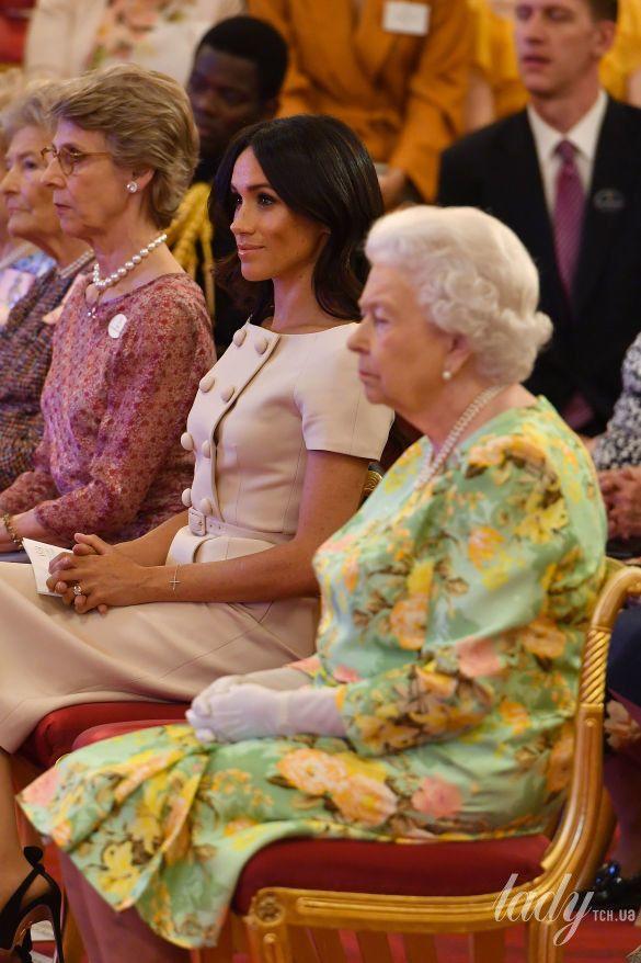 Королева Елизавета II и герцогиня Сассекская Меган_1