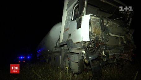 В реанимации остаются двое пострадавших в аварии, произошедшей на Ровенщине в понедельник