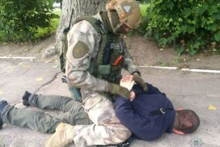 На Житомирщині банда катівників та грабіжників спробувала підірвати копа заради помсти