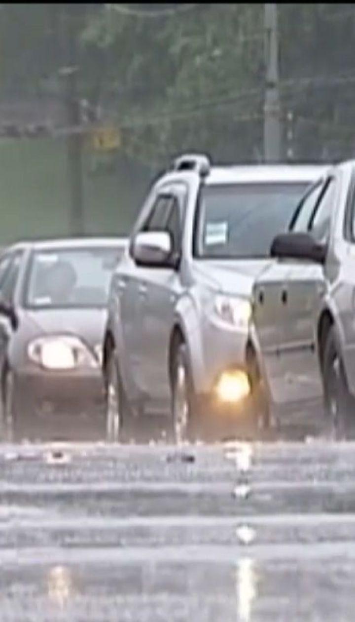 На Украину надвигаются грозы, сильные дожди, град и шквалы