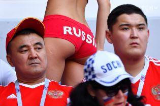 Россияне перессорились из-за своих женщин, которые хотят заниматься сексом с иностранными болельщиками