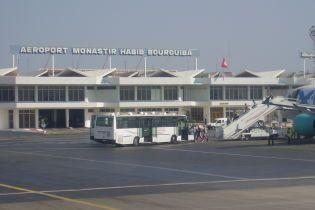 Сотни украинских туристов вторые сутки не могут вылететь из Туниса