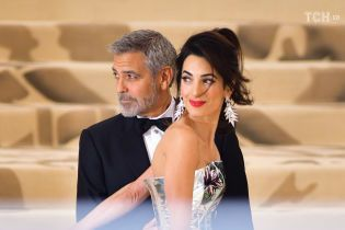 Джордж и Амаль Клуни станут крестными родителями первенца принца Гарри и Меган - СМИ