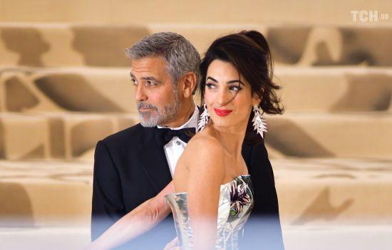 Джордж та Амаль Клуні стануть хрещеними батьками первістка принца Гаррі та Меган - ЗМІ
