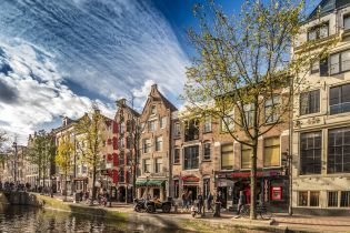 Мэром Амстердама впервые избрали женщину