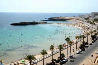 Полсотни украинских туристов снова не могут вылететь из Туниса