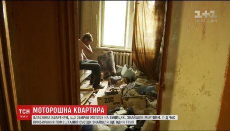 В квартире умершего мужчины, который собирал хлам, обнаружили мумифицированное тело