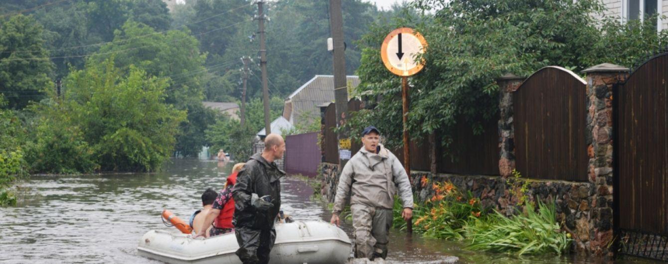 Ливень в Чернигове грозит городу затоплением нечистотами и перебоями с водой и светом
