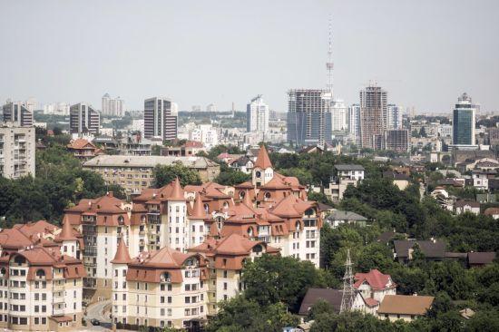 У Києві заарештували 14 житлових комплексів скандального забудовника Войцеховського