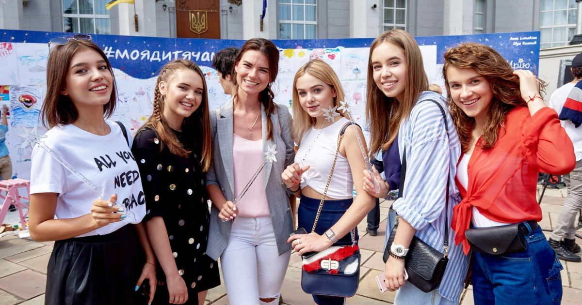 "Группа Open Kids и Александра Лобода @ пресс-служба канала ""1+1"""