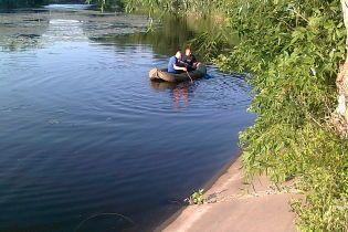 На Киевщине двое детей погибли, играя возле канавы