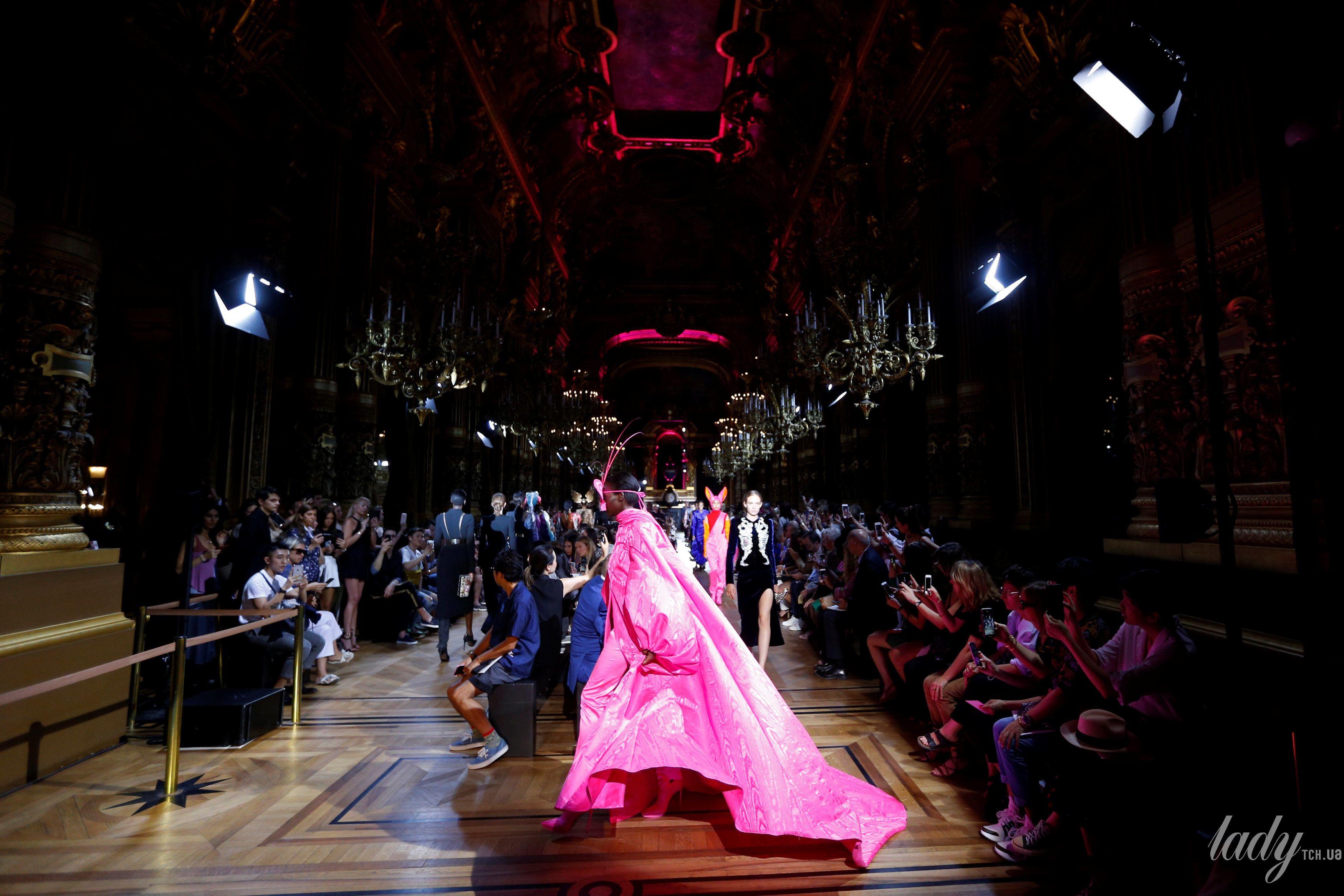 Коллекция Schiaparelli Haute Couture осень-зима 2018-2019_17