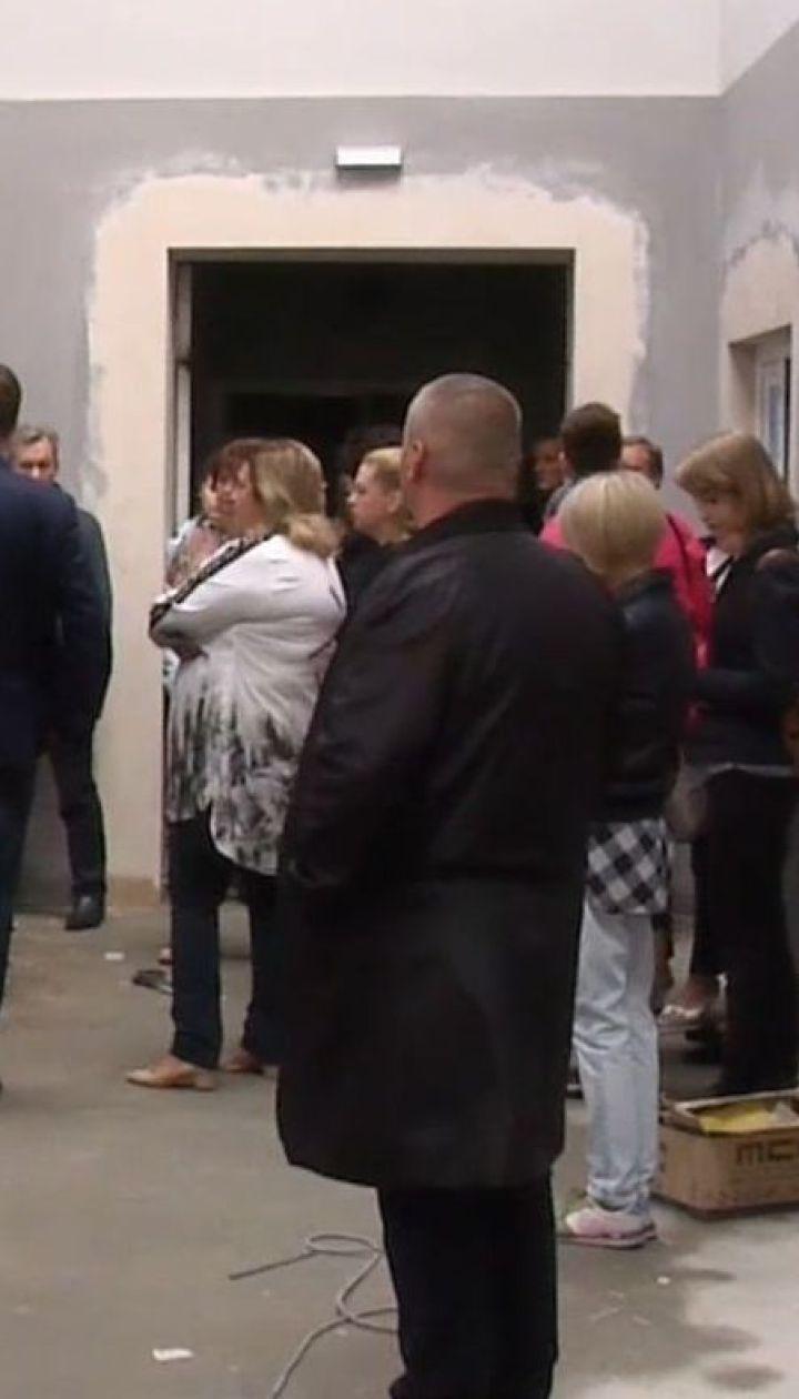В Киеве из-за ливня затопило школу