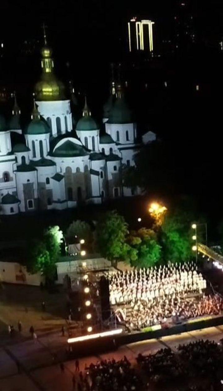 """Грандиозный концерт """"Пути дружбы"""" состоялся на Софийской площади в Киеве"""