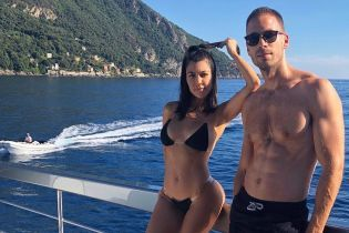 В дешевом, но эффектном бикини: Кортни Кардашьян поделилась новым снимком с отпуска
