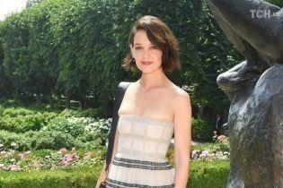 Бывшая Тома Круза Кэти Холмс ошеломила нарядом, который передавил ее грудь