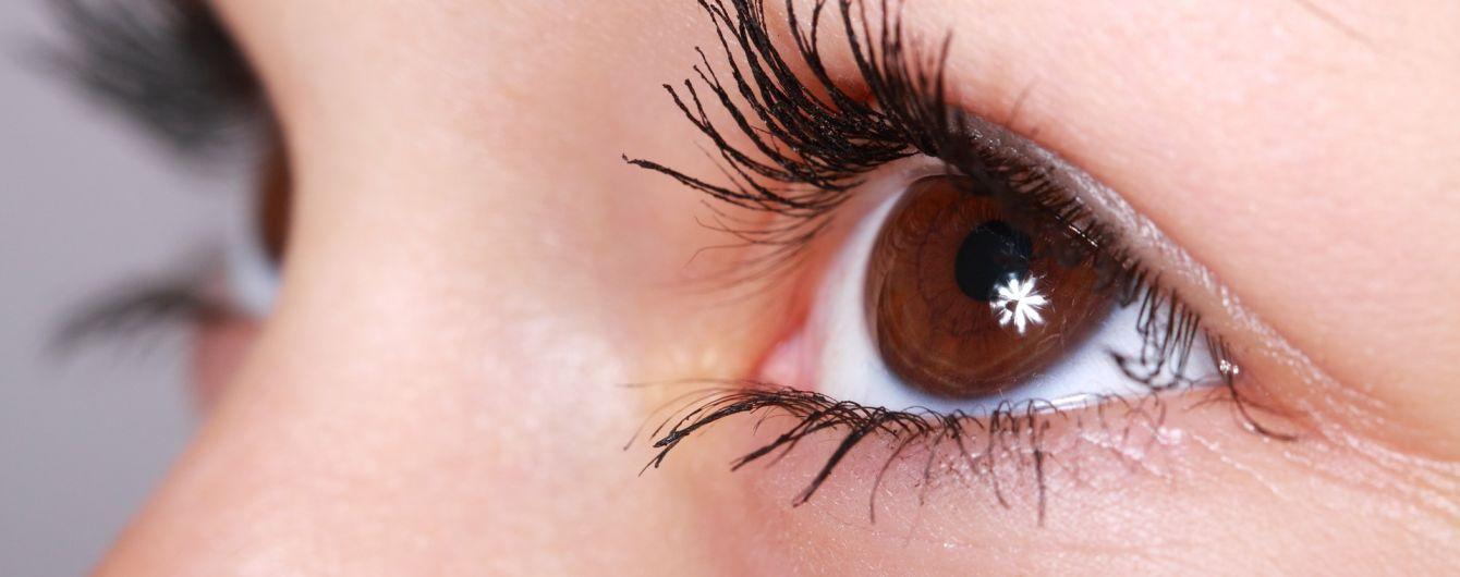 У Кременчуці з ока жінки витягли 12-сантиметрового паразита