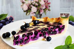 Классический пирог с черникой