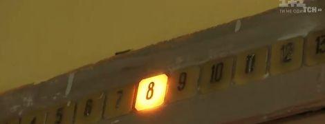 ТСН з'ясувала, чому українські ліфти перетворилися на кабіни смерті